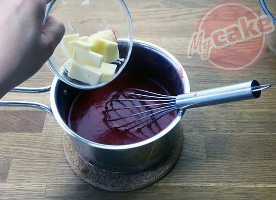 Le Curd Fraise - Ajouter le beurre demi-sel