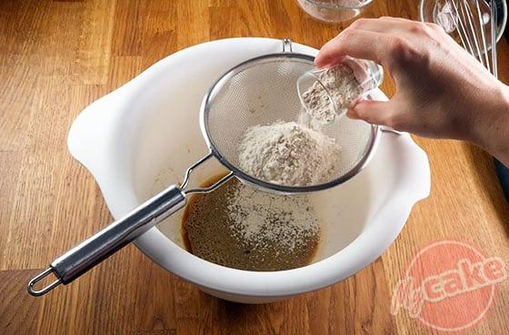 Cakounet - Ajouter la farine de châtaigne