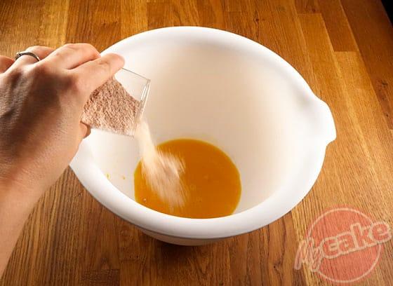Cakounet - Ajouter le sucre roux