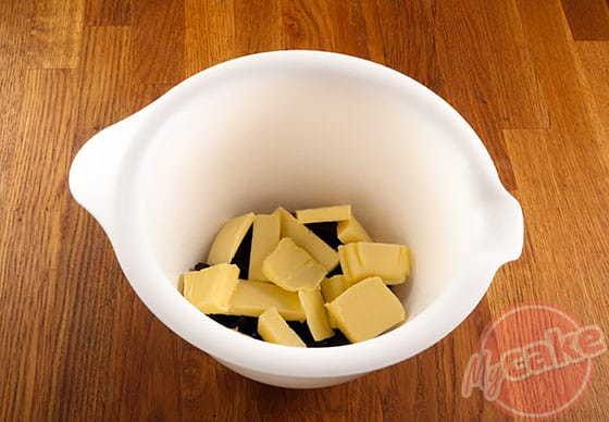 Cakounet - Faire fondre le beurre et le chocolat