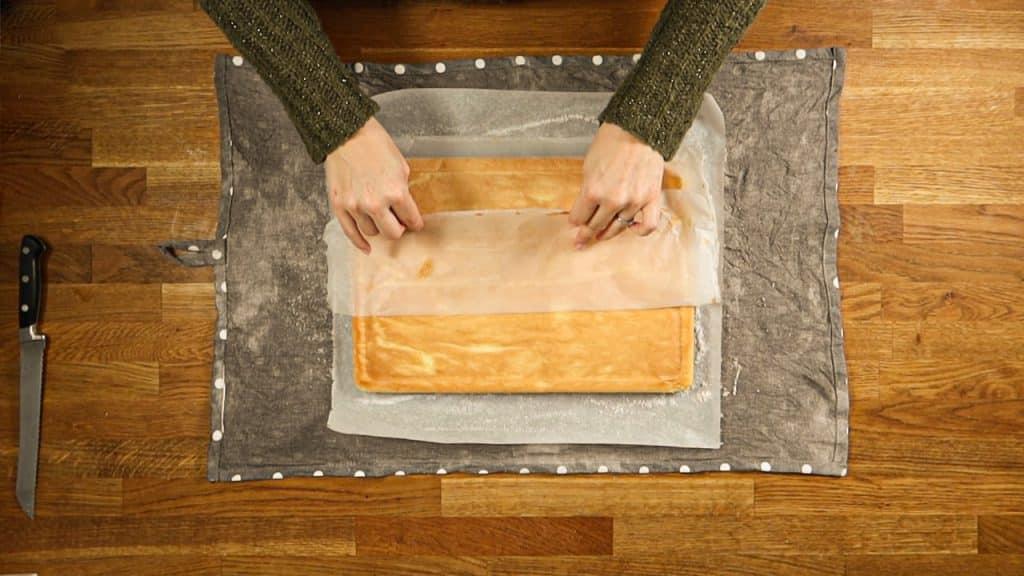 Gâteau Roulé - Enlevez le papier de cuisson