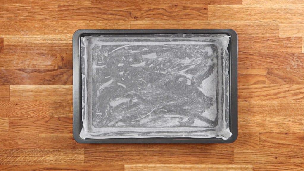préparez une plaque à pâtisserie recouverte de papier cuisson