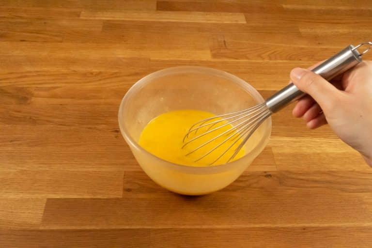 Pâte à crêpes - Fouetter le tout