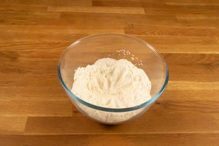 Pâte à crêpes - Faire un puit