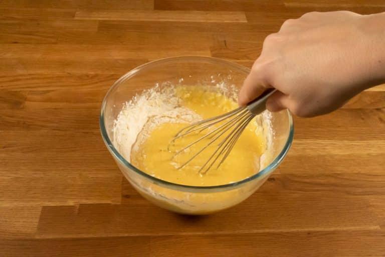 Pâte à crêpes - Continuer de mélanger