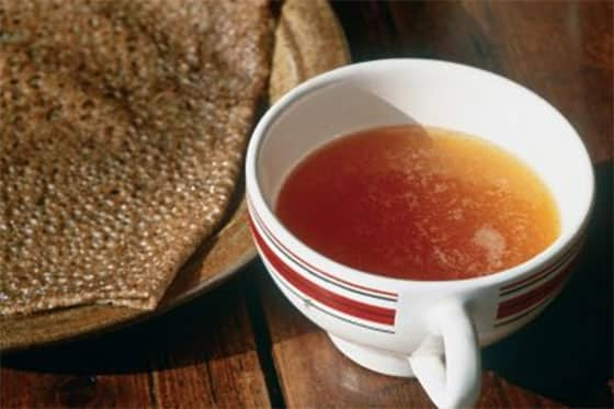 Pâte à crêpes avec bolée de cidre
