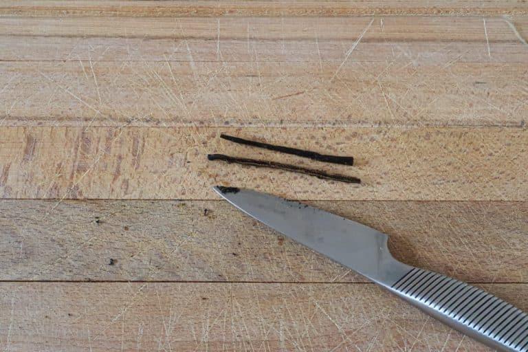 Praliné maison - Ouvrir et gratter la demi gousse de vanille