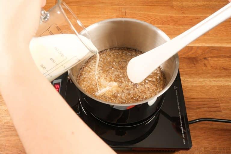 Caramel au beurre salé - Décuire le caramel