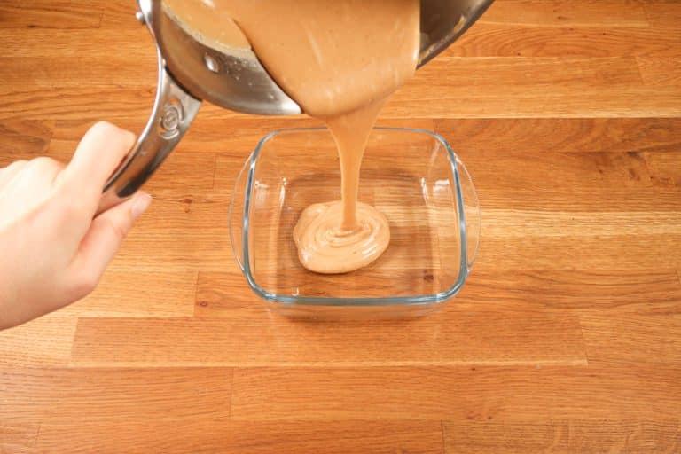 Caramel au beurre salé - Verser dans un récipient