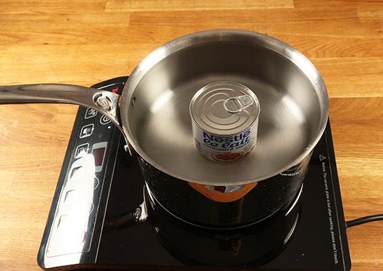 Confiture de lait - Immerger dans une casserole remplie d'eau