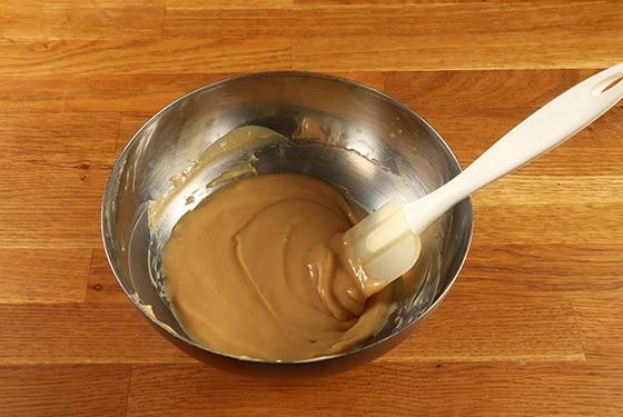 Confiture de lait - Homogénéiser dans un saladier