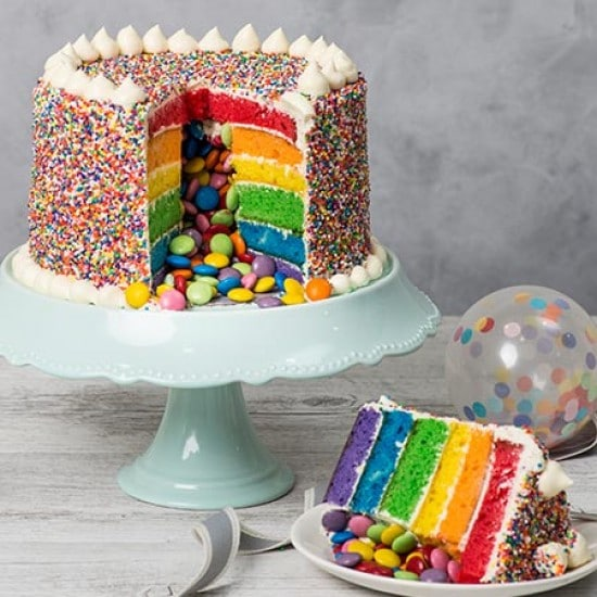 Rainbow Cake, le gâteau arc en ciel remplie d'une multitude de couleurs ! 12