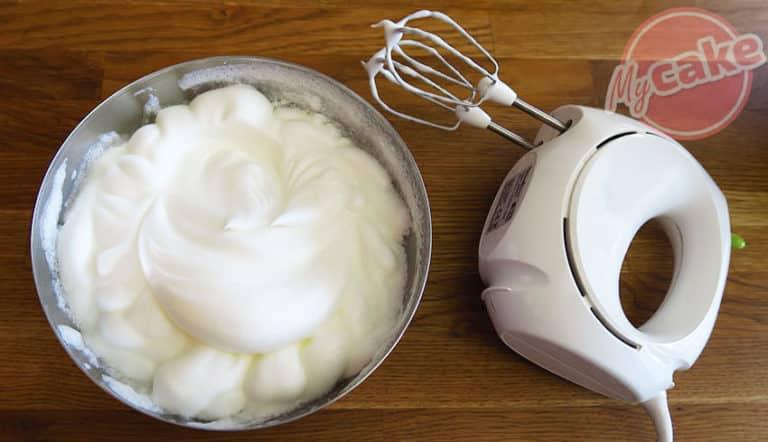 Le White Cake, un gâteau blanc et moelleux à décorer et dévorer ! 14