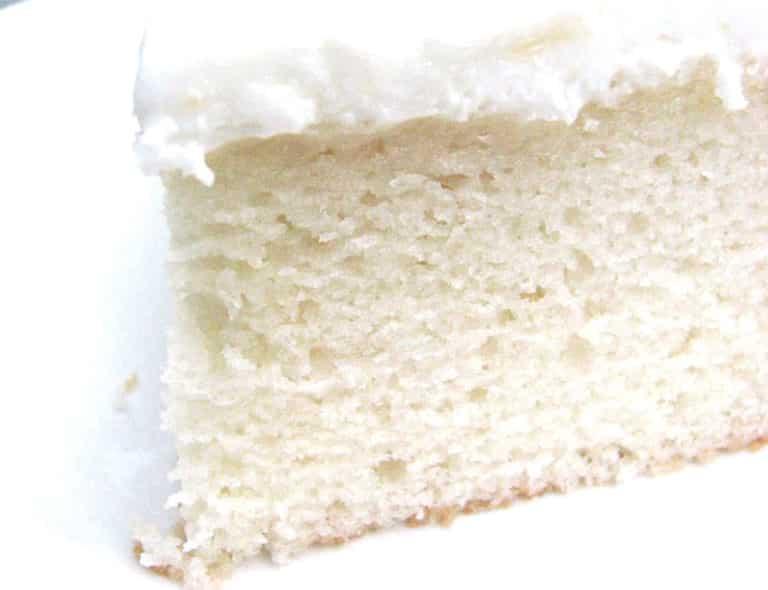 Le White Cake, un gâteau blanc et moelleux à décorer et dévorer ! 18
